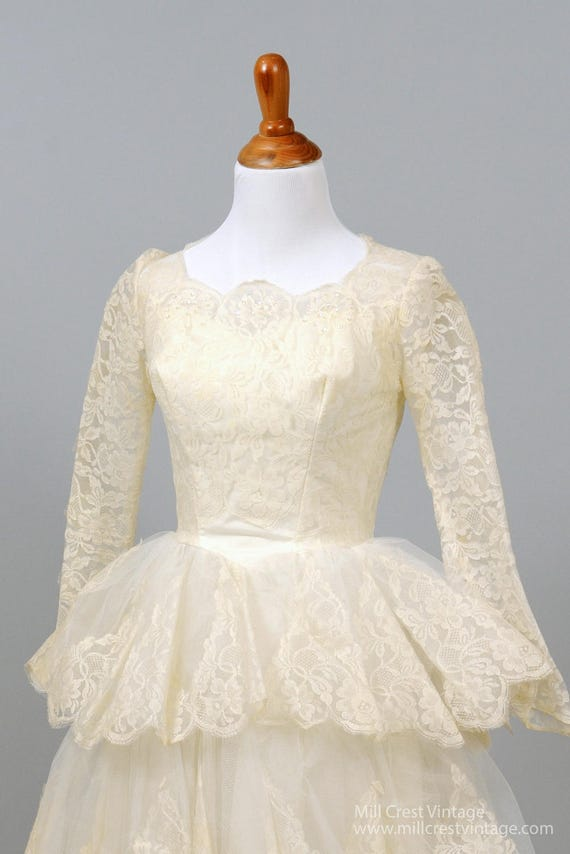 1950's Tiered Scalloped Vintage Wedding Dress - image 2