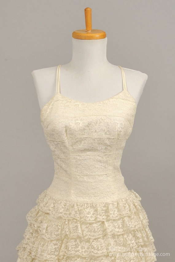 1960's Tiered Lace Vintage Wedding Gown - image 2