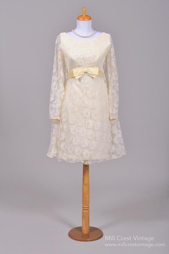 1960 Lace Trapeze Vintage Wedding Dress
