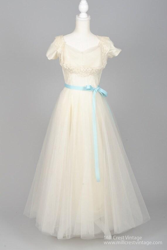 1950  White Capped Sleeves Vintage Full Wedding Go