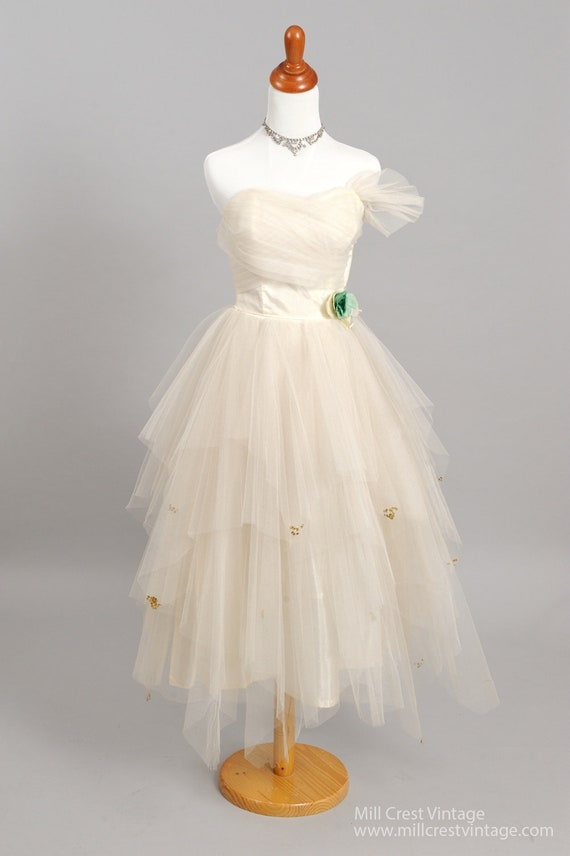 1950's Tiered Strapless Vintage Wedding Dress