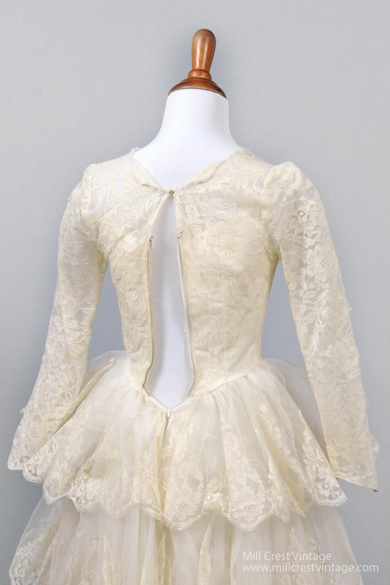 1950's Tiered Scalloped Vintage Wedding Dress - image 4