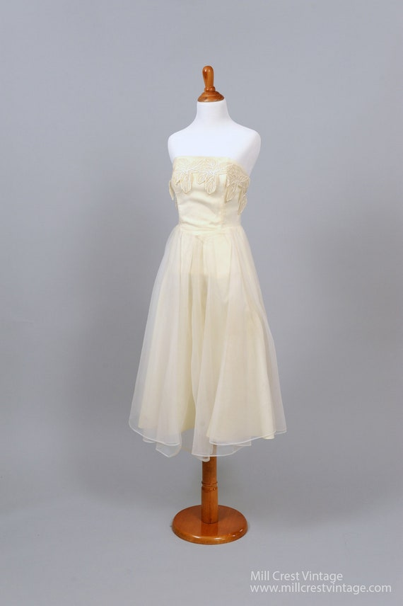 1960 Appliqued Strapless Vintage Wedding Dress