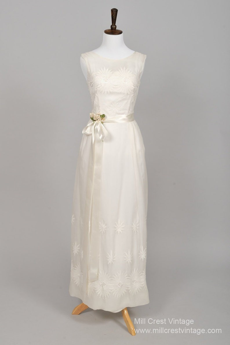5a181f8ec14 Vintage Wedding Dresses 1950
