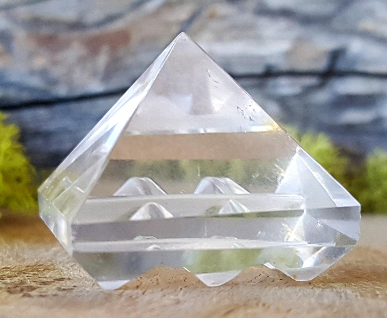 Domestic quartz generator