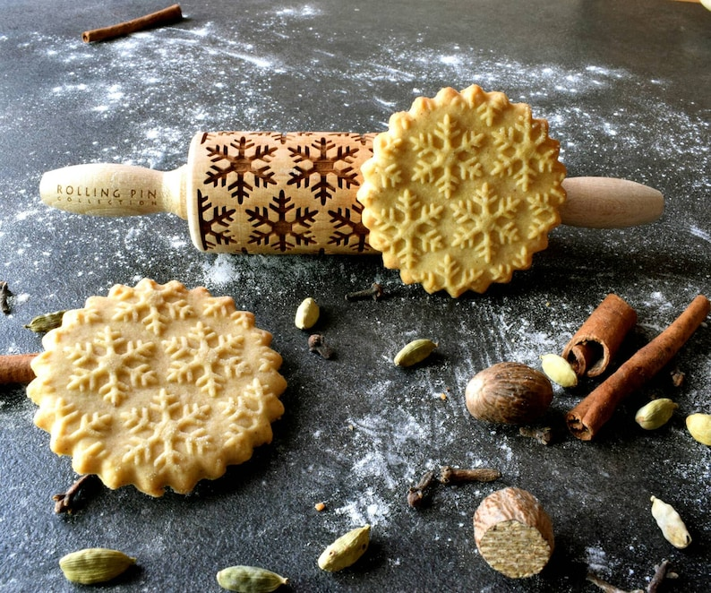 SNOWFLAKES  mini embossed engraved rolling pin for cookies  image 0