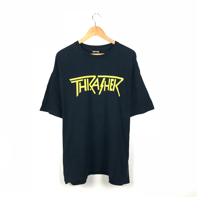 THRASHER Magazine Skateboard Mosh It Up Vintage Tshirt / Skate Tee / Size  XLarge