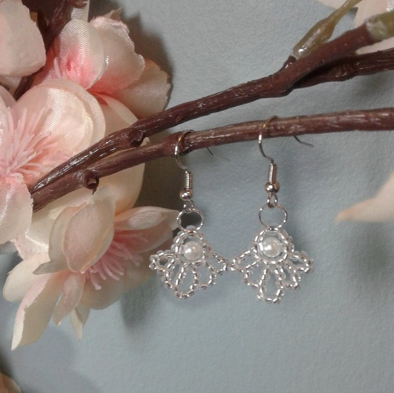 Pearl Hand Beaded Glass Crystal and Pearl Earrings Swan Wedding Bridesmaid Mother of Bride Simple Bridal Elegant White Prom
