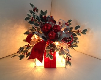 Lighted Christmas Mesh Box