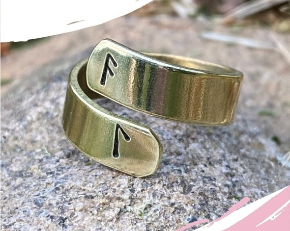 Meditation ring. Laguz rune . Protection ring. Inspiration  jewelry. Rune ring. Mental clarity. Witch ring. Ansuz Laguz. Intuitive knowledge