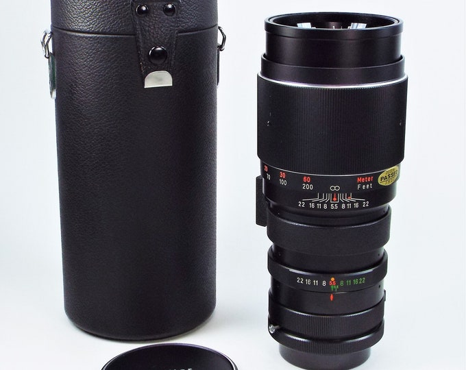 Vintage Vivitar Canon FD Mount 300mm f5.5 Telephoto Lens w/ Case - Mint Condition - Manual Focus Lens Adaptable for Digital Use - Super Nice