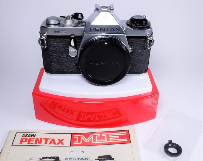 Asahi Pentax ME 35mm SLR Film Camera with Pentax Body Cap and Original Instruction Book - For Repair, Parts or Display