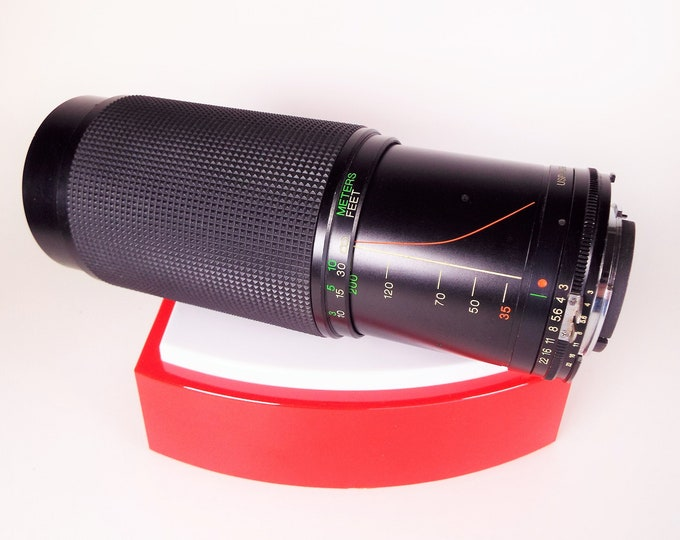 Vintage Vivitar 35-200mm f/3.0 Macro Focusing Zoom Lens for Nikon F Mount SLRs