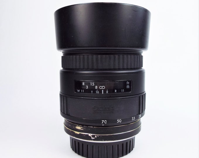 Sigma (Minolta and Sony Mounts) UC Multi-Coated Auto Focus Zoom Lens - 28 to 70mm f3.5 - Super Clean - Tested - Includes Hood & Lens Cap