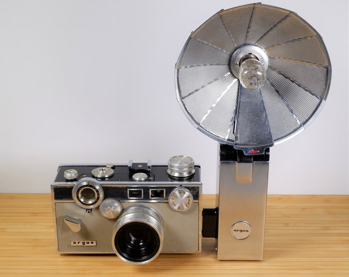 Argus Match-Matic C3 35mm Film Camera w/ Argus Leather Case and Argus Folding Flash Unit No. 759 - Vintage 1960s - Nice