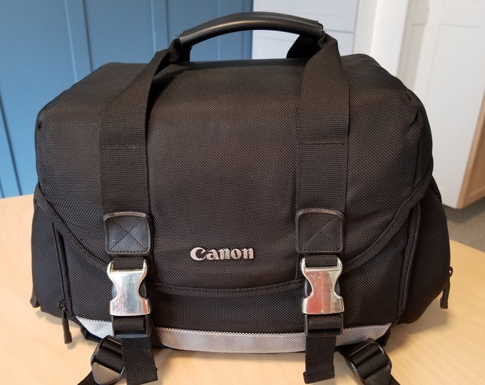 Canon Deluxe Gadget / Camera Bag - Perfect for SLRs and DSLRs with Lenses - Includes Shoulder Strap - Nylon with Padded Zippered Pockets