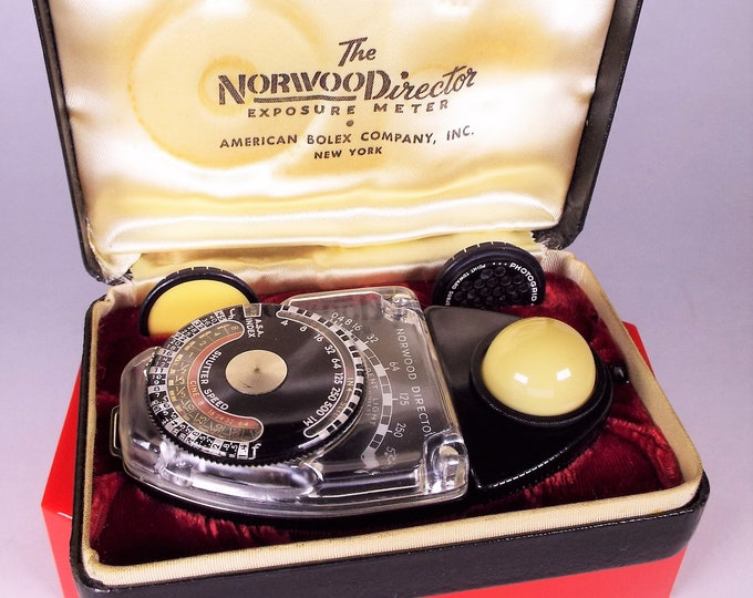 Vintage Norwood Director Exposure Meter Model B with case and accessories - American Bolex Company 1948 - Works perfectly!