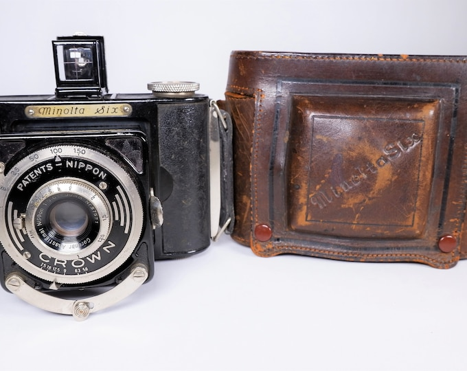 Rare Vintage 1930s Minolta Six Medium Format 6x6 cm 120 Roll Film Camera with its Original Leather Case