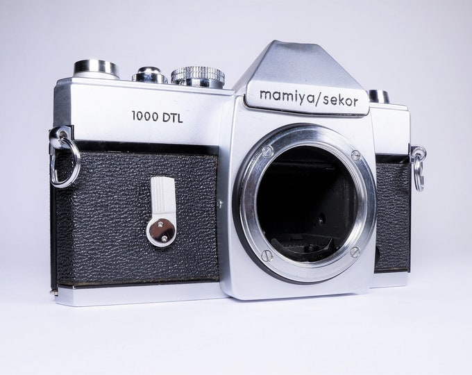 Vintage Mamiya / Sekor 1000 DTL 35mm SLR Film Camera