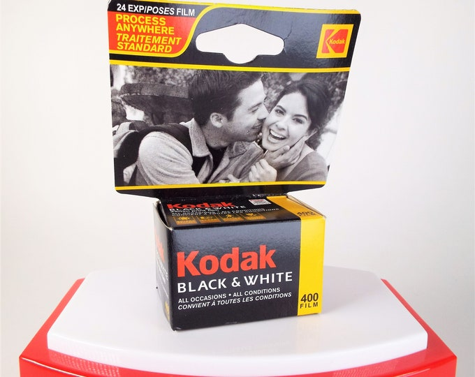 Vintage Kodak Black and White 400 Negative Film - 24 Exposures - Expired 9/2004 - Original Unopened Box - Nice - Free USA Shipping!