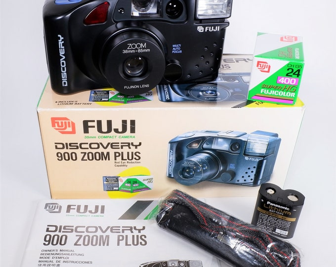 Fuji Discovery 900 Zoom Plus 35mm Compact Camera Outfit - New in the Box - Fujinon Lens - Fujicolor Film, Batteries, Strap, Books Included