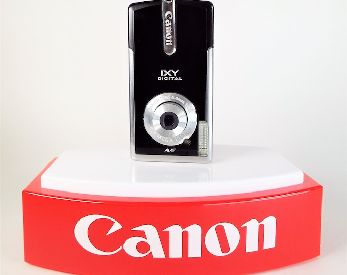 Canon IXY Digital L aka PowerShot SD10 Camera with Canon f/2.8 Lens - Canon Battery, Canon Charger, Strap - Tested Working Perfectly!