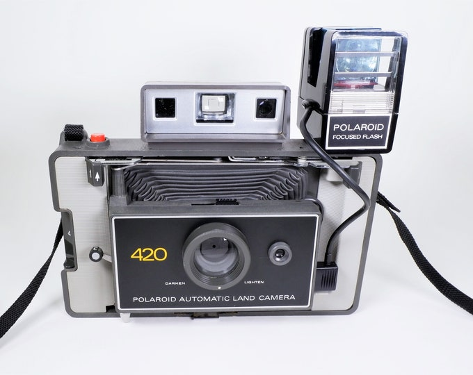Polaroid Automatic Land Camera Model 420 w/ Polaroid Focused Flash - Case, Instruction Book & Papers - Clean and Tested - Very Nice!