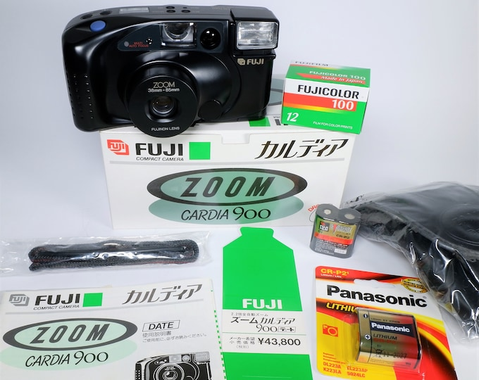 Fujifilm Zoom Cardia 900 Date 35mm Compact Camera Outfit - Mint in the Box - Fujinon Lens - Fujicolor Film, Batteries, Case, Books Included