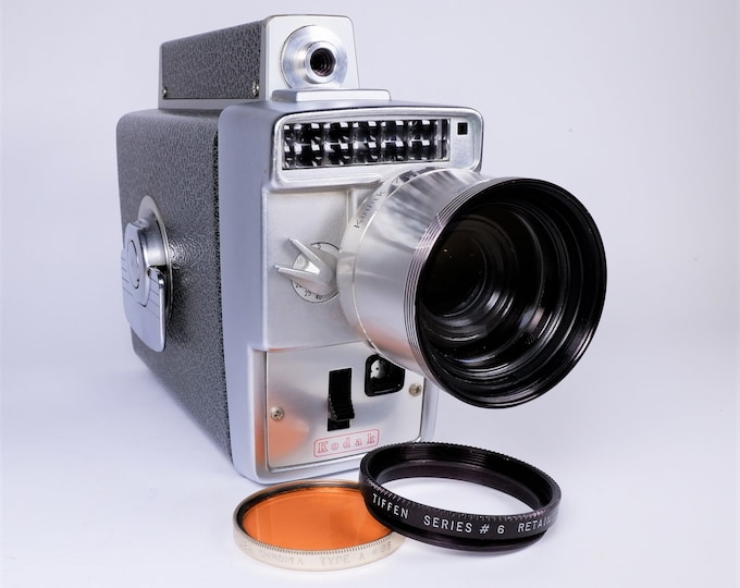 Vintage Kodak Zoom 8 mm Automatic Movie Camera w/ Electric Eye Exposure & f/1.9 Zoom Lens, Leather Case, Type A No. 85 Filter - Super Nice!