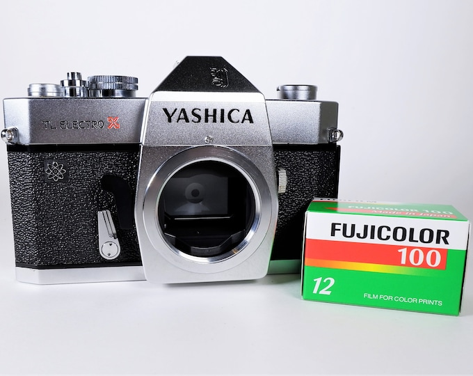 Vintage Yashica TL Electro-X 35mm SLR Film Camera from 1970 - Mint Condition - Fully Working - Tested - Includes Free Fujifilm & New Battery