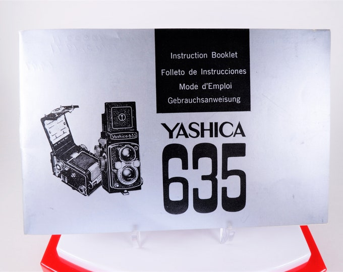Original Yashica 635 Twin Lens Reflex TLR Instruction Booklet - 1969 - English, French, Spanish, German Edition - 17 Pages - Not a Copy