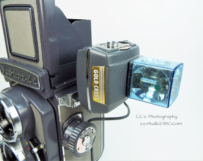 Gold Crest Electronic Flashcube Adapter w/ Case and Flashcube - Vintage 1960s - Made in Japan - Super Cool!