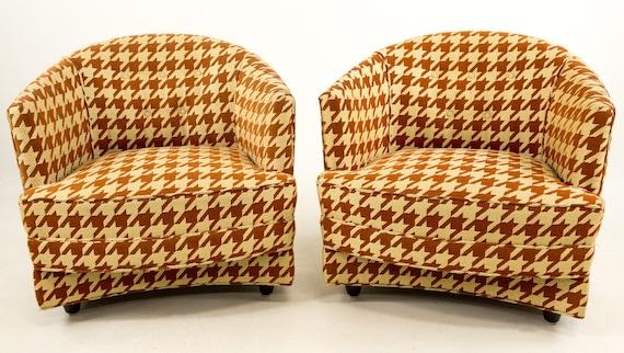 Peachy Sale Pair Of Milo Baughman Houndstooth Barrel Chairs Evergreenethics Interior Chair Design Evergreenethicsorg