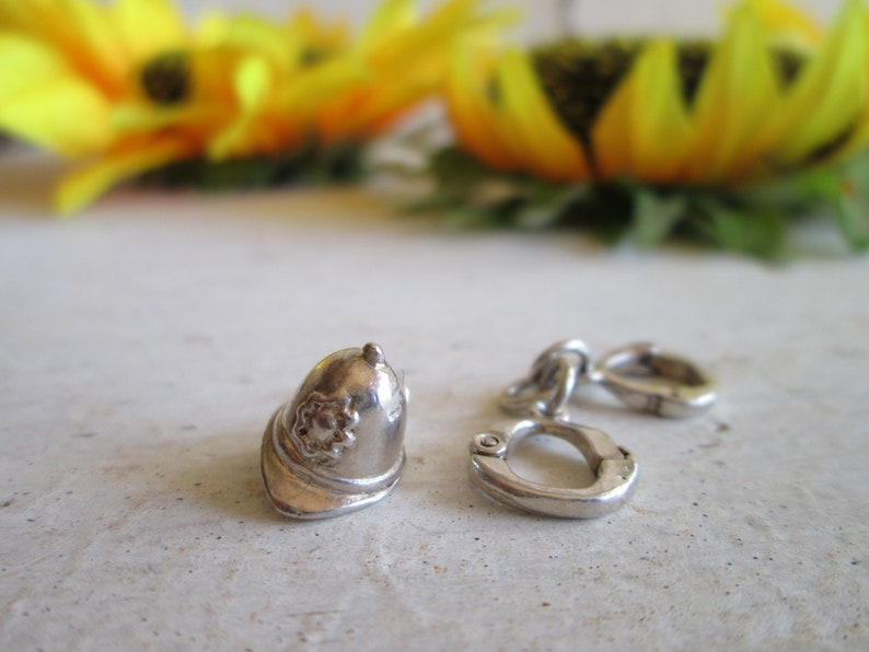 Vintage 2 Sterling silver Handcuffs pendant British Police Helmet pendant Silver Bracelet charms Jewelry supplies Bondage Handcuffs pendant