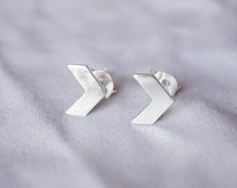 8 Mm Chevron Stud Earrings - Silver Chevron Studs - Chevron Earrings - Silver Chevron Studs - Minimal Earrings - Arrow Stud TSGSM027