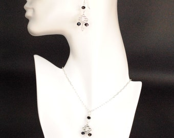 Sterling Silver chain and a diamond grid