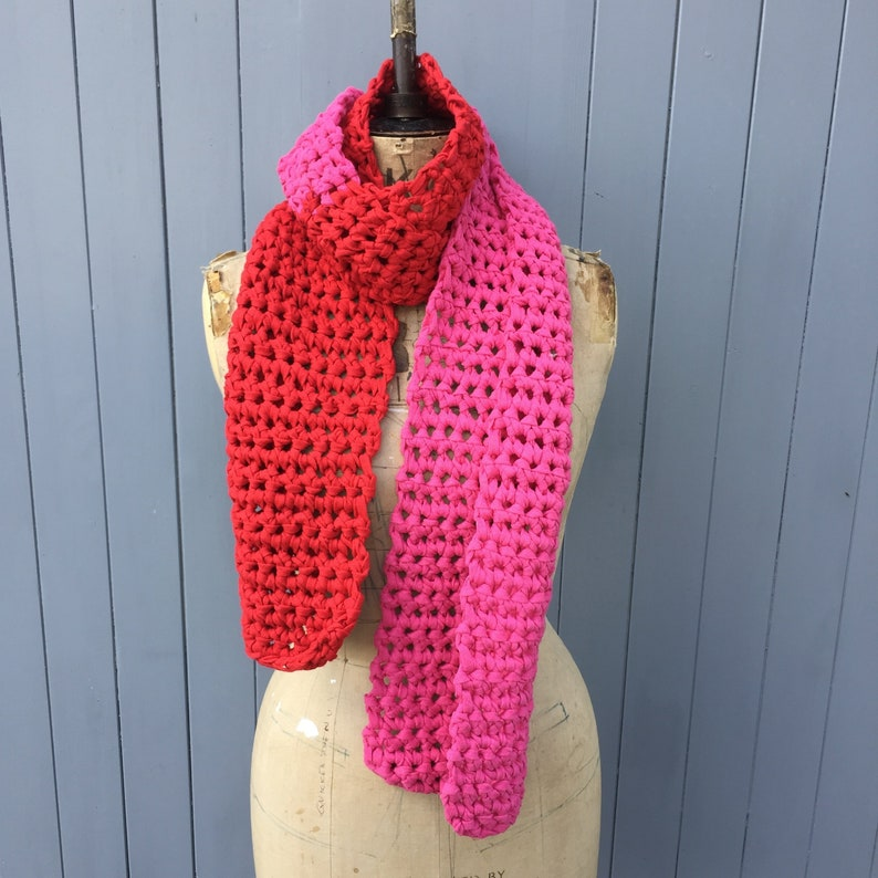 Red and pink chunky scarf image 0