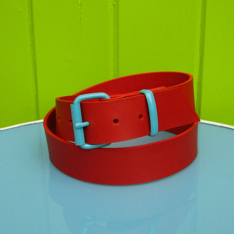 Red leather belt image 0