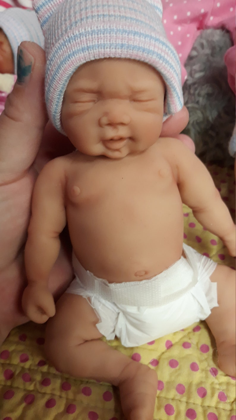 """NEW 7/"""" Painted Micro Preemie Full Body Silicone Baby Girl Doll /""""Kayla/"""""""