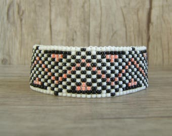 Woven bracelet beaded Zig Zag coral / salmon, white mat and black