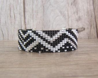 Woven bracelet Beads Bracelet women, girl with black geometric patterns, white, silver, trendy, personalized