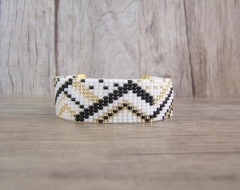 Woven bracelet Beads Bracelet women, girl, with white geometric patterns, black and gold, trendy, personalized