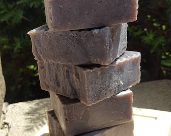 Alkanet Root Powder Soap Bar with Blueberry Thyme Fragrance