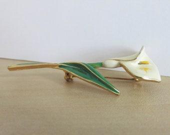 Vintage Enamel Calla Lily Flower Brooch / White Ivory Green Yellow / Gold Tone Trim / Long Stem / Wedding Floral / Jacket Purse (H588)