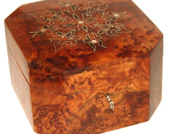 Moroccan box handcrafted from Thuya wood - jewelery box - cedar wood