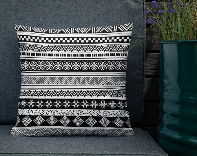 Premium Moroccan Pillow original black and white pattern