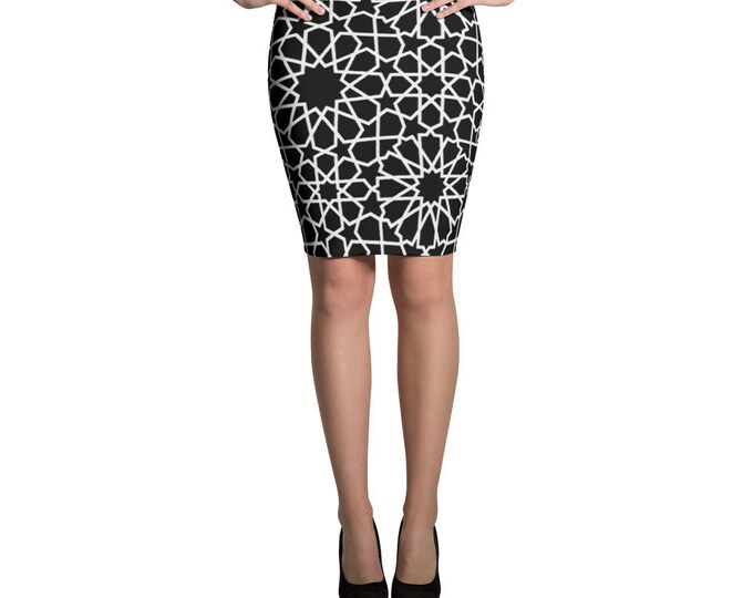 Black Pencil Skirt whith white moroccan pattern