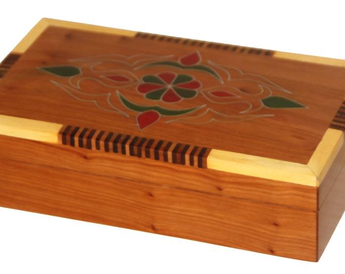 Moroccan box handcrafted from Thuya wood - jewelery box - cedar wood