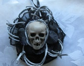 Skull & Barbed Wire Gothic Halloween / Xmas tree ornament / hanging decoration