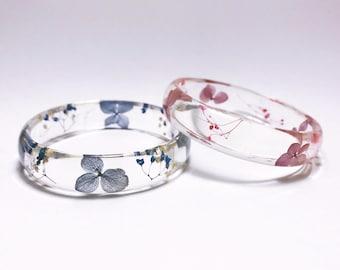 Pressed flower bangle, real flower bangle, resin bangle, Botanical Jewellery, real flower bracelet, pressed flowers bracelets, blue bangle